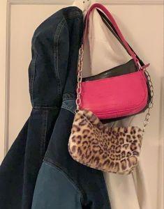 Look Fashion, Fashion Bags, Fashion Accessories, Fashion Outfits, Luxury Fashion, Estilo Cool, Cute Bags, Aesthetic Vintage, Vintage Black