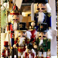 Cadouri pentru Craciun de la Pravalia cu Surprize! Nutcrackers, Christmas Ornaments, Holiday Decor, Home Decor, Everything, Decoration Home, Room Decor, Christmas Jewelry, Christmas Decorations
