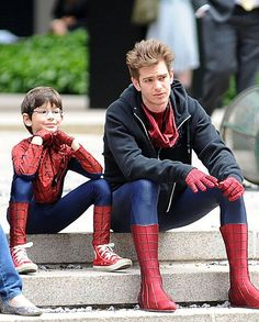 SWOON. Spotted on Set: Andrew Garfield hanging streetside with mini-me #SpiderMan co-star.