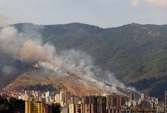 INCENDIO EN EL CERRO AVILA 3 PM 23 MARZO 2008