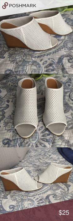 Kenneth Cole Wedge Never worn! this season - Kenneth Cole wedge Kenneth Cole Shoes Wedges