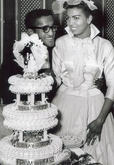 Sammy Davis Jr & first wife, Loray. Celebrity Wedding Photos, Vintage Wedding Photos, Vintage Bridal, Vintage Glamour, Celebrity Weddings, Vintage Weddings, Wedding Pictures, Wedding Ideas, Wedding Sand