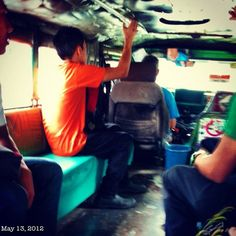 ジプニーは腰に良くない(^^ #jeepney #philippines #フィリピン