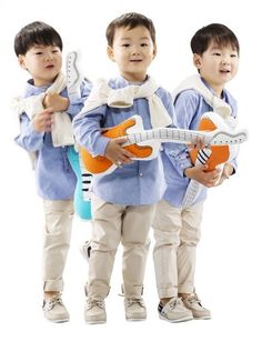 Song Triplets Kids Boys, Baby Kids, Triplet Babies, Superman Kids, Song Triplets, Baby Fashionista, Asian Love, Baby Pictures, Kids And Parenting