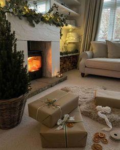 Cosy Christmas, Christmas Feeling, Mini Christmas Tree, Christmas Fairy, Interior And Exterior, Interior Design, Christmas Aesthetic, Merry And Bright, Sweet Home