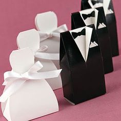 Wedding Favors Glamorous cheap wedding souvenirs for memorable glamorous pictures of gifts Affordable Wedding Favors. Cheap Wedding Souvenirs For Guests. Cheap Wedding Favors For Guests. Wedding Candy Boxes, Unique Wedding Favors, Unique Weddings, Wedding Gifts, Wedding Decoration, Wedding Wishes, Door Gift Wedding, Ribbon Wedding, Wedding Paper
