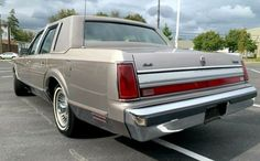 42,000 Original Miles: 1989 Lincoln Town Car Cartier Edition   Barn Finds
