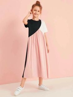 To find out about the Girls Cut And Sew Tee Dress at SHEIN, part of our latest Girls Dresses ready to shop online today! Teenage Girl Outfits, Girls Fashion Clothes, Dresses Kids Girl, Cute Dresses, Kids Outfits, Kids Fashion, Fashion Outfits, Sweat Dress, Tee Dress