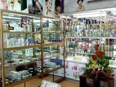 Mình đang sở hữu và quản lý một cửa hàng mỹ phẩm, cửa hàng của mình bao gồm các…