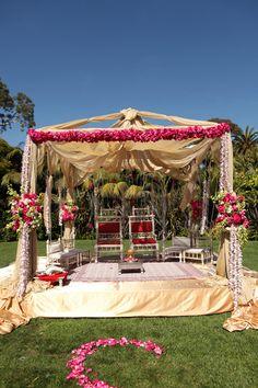 outdoor mandap white and pink, indian wedding  #indianwedding, #shaadibazaar