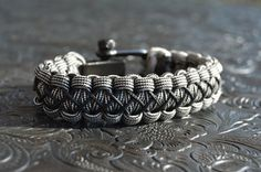The Diamond Links Bracelet with a Black or Chrome by ParacordLinks