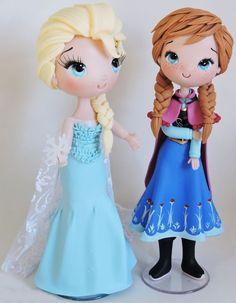 Elsa & Anna FrozenElsa e Anna Customizada feita em biscuit *princesas 25 cm de