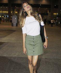 Esha Gupta pouts for the cameras at Mumbai airport. #Bollywood #Fashion #Style #Beauty #Hot #Sexy