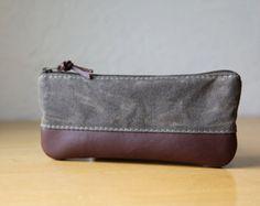 Leather Pencil Case // Zipper Pouch por infusion en Etsy