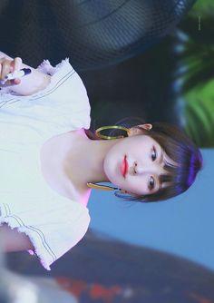 Wendy @ fansign event #PowerUp #파워업 Wendy Red Velvet, Red Velvet Irene, Red Pictures, Kim Yerim, Red Velvet Seulgi, Korean Bands, Girly Girl, Wendy Rv, Face Reference