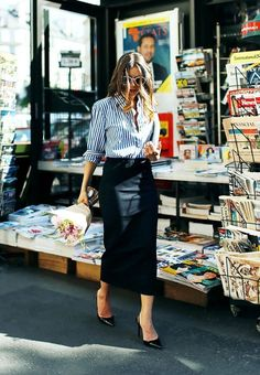 Discover more than 70 street style spring outfit images of inspiration for juicing up yours! Check also street style clothing and street style fashion Office Fashion, Work Fashion, Net Fashion, Womens Fashion, Fashion Ideas, Fashion Outfits, Fashion Skirts, Color Fashion, Fashion Black