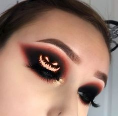 Crazy makeup looks awesome halloween costumes Trendy ideas Eye Makeup Designs, Eye Makeup Art, Eyeshadow Makeup, Eyeliner, Makeup Ideas, Glow Makeup, Insta Makeup, Helloween Make Up, Cute Halloween Makeup