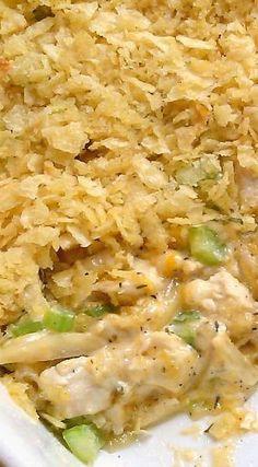 Hot Chicken Salad Hot Chicken Salad - Fırın yemekleri - Las recetas más prácticas y fáciles Hot Chicken Salads, Chicken Recipes, Chicken Soup, Cassoulet, Greens Recipe, Chicken Casserole, Soup And Salad, Salad Recipes, Juicer Recipes