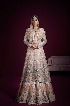Amazingly beautiful heavily embellished Pakistani bridal lehnga dress by famous dress designer Ammara Khan Source by bestbridalwear. Walima Dress, Pakistani Formal Dresses, Pakistani Wedding Outfits, Pakistani Wedding Dresses, Bridal Outfits, Indian Dresses, Indian Outfits, Shadi Dresses, Designer Bridal Lehenga