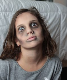 Easy zombie makeup with everyday makeup | Halloween | Pinterest ...