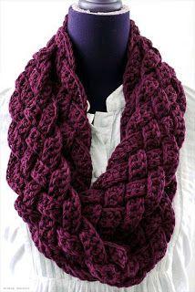 Tina's handicraft : circular scarf