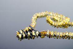 Collar de ámbar báltico con BlackC☮RAL4Y☮U❤•ღ♁♕#coral❤♕∆❤️☮#black❤️✌︎#Pinterest♔☻☺☂#hat ⧝✤#bohemian☂#surf✤↜#Spring➳☔#jewelry⧱❇☯#gypsy⚡️♁#hobo♥#L❤V⧢ ॐ ♥•#rapsodiaღ•☼#gems☪☼☀️#Summer✿ڿڰۣ(̆̃̃☼•≫∙∙☮..*・·̩.˖#stones✶.✿ ★~(◡﹏◕✿)☾❃✿#boho*´¨`✿⊱╮∆.☔⚜️•♧I❇Ƹ̵̡Ӝ̵̨̄Ʒ✤❀❤L I K⧢     coral negro ,  hecho a mano .  con cierre de plastico.  Peso 15,6 gr  Longitud 54 cm  Tamaño de ambar aprox. 0,3 - 0,8 cm
