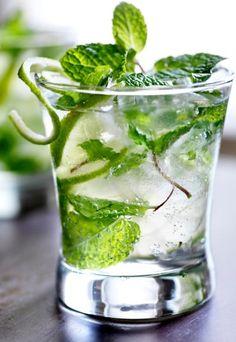 Orzeźwiające drinki bezalkoholowe PRZEPISY na zimne drinki