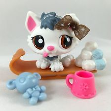 Littlest Pet Shop RARE White & Slate Blue Husky Puppy w/Sled & Accessories accessories shop Lps Littlest Pet Shop, Little Pet Shop Toys, Little Pets, Cute Little Baby, Ava Doll, Dolls, Blue Husky, Lps For Sale, Lps Dog