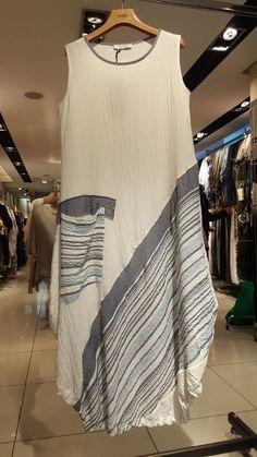 CТИЛЬ БОХО - Paste Tutorial and Ideas Batik Fashion, Fashion Sewing, Boho Fashion, Fashion Dresses, Womens Fashion, Linen Dresses, Cotton Dresses, Simple Dresses, Casual Dresses