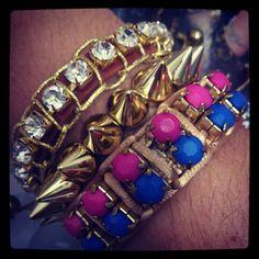 Mix de pulseiras à venda no site www.pepapaes.divitae.com.br