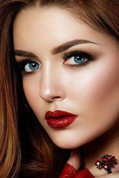 Com pretty eyes, cool eyes, beautiful lips, gorgeous women Most Beautiful Eyes, Beautiful Blue Eyes, Pretty Eyes, Gorgeous Women, Stunning Eyes, Belle Silhouette, Beauty Hacks Video, Woman Face, Beauty Photography