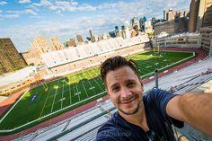 #Montreal #Selfie #Football #Canada A veces una selfie desde el techo no esta mal... http://ift.tt/1Mu8ciD