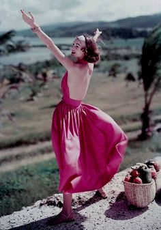 Sundress by Claire McCardell 1957 Vintage Fashion 1950s, Fifties Fashion, Retro Fashion, Vintage Style, Claire Mccardell, Vintage Prom, Vintage Gowns, Vintage Fashion Photography, Female Photographers