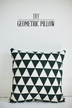 DIY: geometric pillow