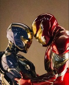 The Rescue suit & Iron Man suit together during an Avengers: Endgame promotional photoshoot: (via IG user lizgeorgoff) Iron Man Avengers, Marvel Avengers, Marvel Comics, Marvel Memes, Captain Marvel, Captain America, Iron Man Suit, Iron Man Armor, Thor