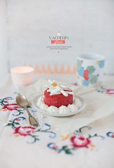 ★{Christmas}★ #7 Vacherin glacé Bon Dessert, Dessert Recipes, Meringue, Gelato Cake, Beaux Desserts, Valentine Desserts, Sweet Bakery, Christmas Time, Christmas Recipes