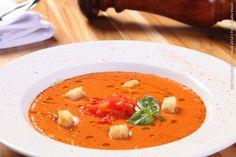 Esquinica - Cozinha Ibérica (jantar) Gapacho de Tomates Sopa fria de tomates. Pepino, salsão, cebola e pimentão
