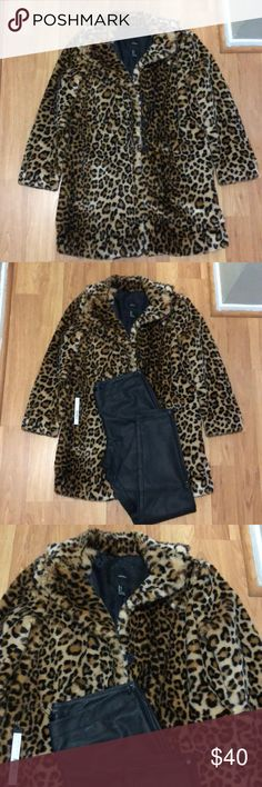 Leopard Print coat It's just a must have nowadays ♥️ forever 21. Quality and warm. This coat is no longer available absolutely anywhere which makes it even more appealing 😍 pair with leather/vegan pants with pumps or shock ppl with some cool kicks! Go for it! 👊🏼✌🏼👌🏼👍🏼. NWOT never worn, non smoking, no pet home ♥️ Forever 21 Jackets & Coats
