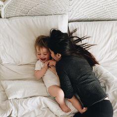 Bem vindo ao mundo Lorenzo Cabello Lauren G!p # Fanfic # amreading # books # wattpad Mother And Baby, Mom And Baby, Baby Love, Baby Kids, Cute Family, Baby Family, Family Goals, Cute Baby Pictures, Baby Photos