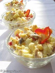 Salata de pui cu cartofi Healthy Meals To Cook, Quick Meals, Healthy Recipes, Romania Food, Desert Recipes, Carne, Meal Planning, Food Porn, Good Food