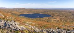 Lake Keimiöjärvi in fall colors