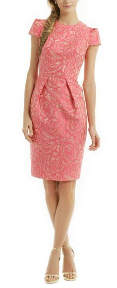 Such a lovely Carmen Marc Valvo pink Rosette envelope dress. I adore the overall cut of this dress. Like that it has sleeves. Modest Fashion, Love Fashion, Womens Fashion, Dress Me Up, Dress Skirt, Lovely Dresses, Work Attire, Mode Inspiration, Dress To Impress