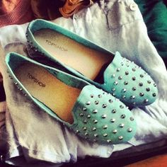 Art Topshop Studded Loafers my-style Looks Style, Style Me, Cute Shoes, Me Too Shoes, Zapatos Shoes, Shoes Heels, Studded Loafers, Shoe Closet, Turquoise
