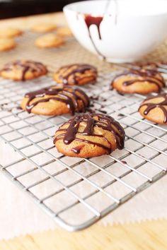 3 Ingredient Peanut Butter Cookies - no oil, no flour, no sugar!