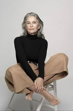 Top Models agency over 40 years old - Paris - SILVER – Top Models Agency over 40 years old – Paris - 60 Fashion, Mature Fashion, Older Women Fashion, Fashion Over 50, Urban Fashion, Womens Fashion, Fashion Dresses, Fashion Trends, Beautiful Old Woman