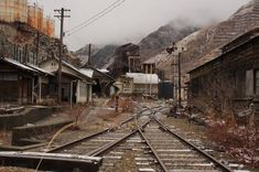 Abandoned Buildings, Abandoned Places, See You Space Cowboy, Abandoned Theme Parks, Gothic Art, Ghost Towns, Roller Coaster, Urban Decay, Railroad Tracks