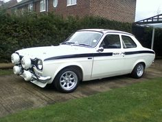 White Mexico for sale Escort Mk1, Ford Escort, Ford Rs, Car Ford, Vintage Tractors, Vintage Cars, Old School Cars, Ford Classic Cars, Rally Car