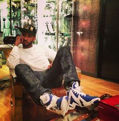 Celeb Sneaker Game  Swizz Beatz Wearing Reebok Kamikaze II