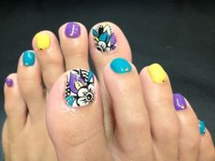 Pretty pedicure: cool black white flower design with bright accent colors. Pretty Pedicures, Pretty Toe Nails, Pretty Toes, Cute Nails, Foot Pedicure, Pedicure Nail Art, Toe Nail Art, Manicure, Toenail Art Designs