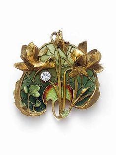 Lucien Gautrait | An Art Nouveau gold, plique-a-jour enamel and diamond brooch, 1900s..